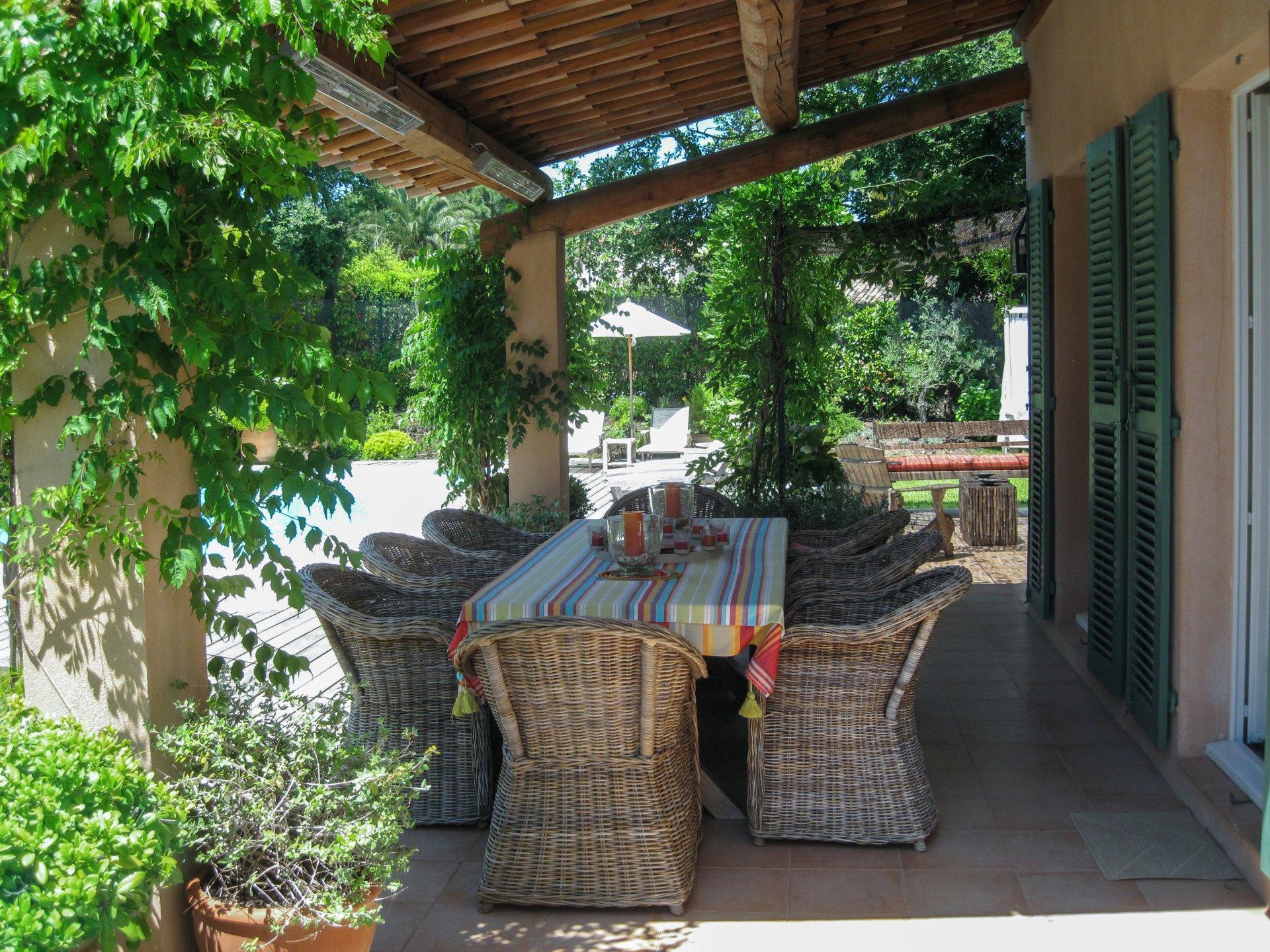 Ourdoor Seating, La Tropezienne, St Tropez, St Tropez Var.