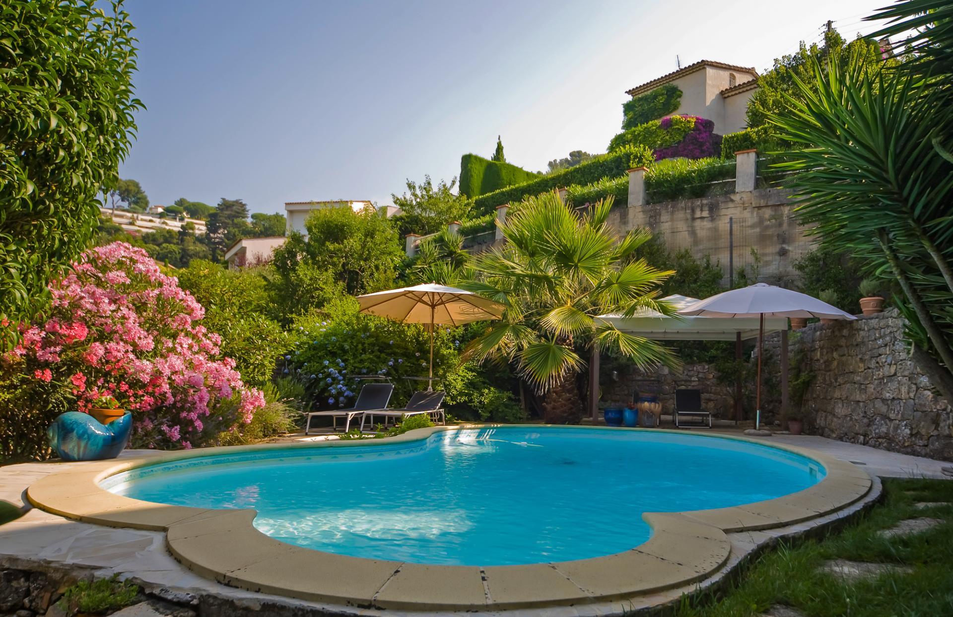 pool villa on the cote d'azur