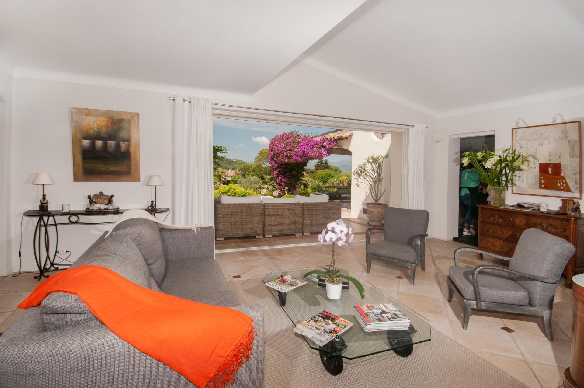 Living Room, L'Emeraude, St Tropez, St Tropez Var.