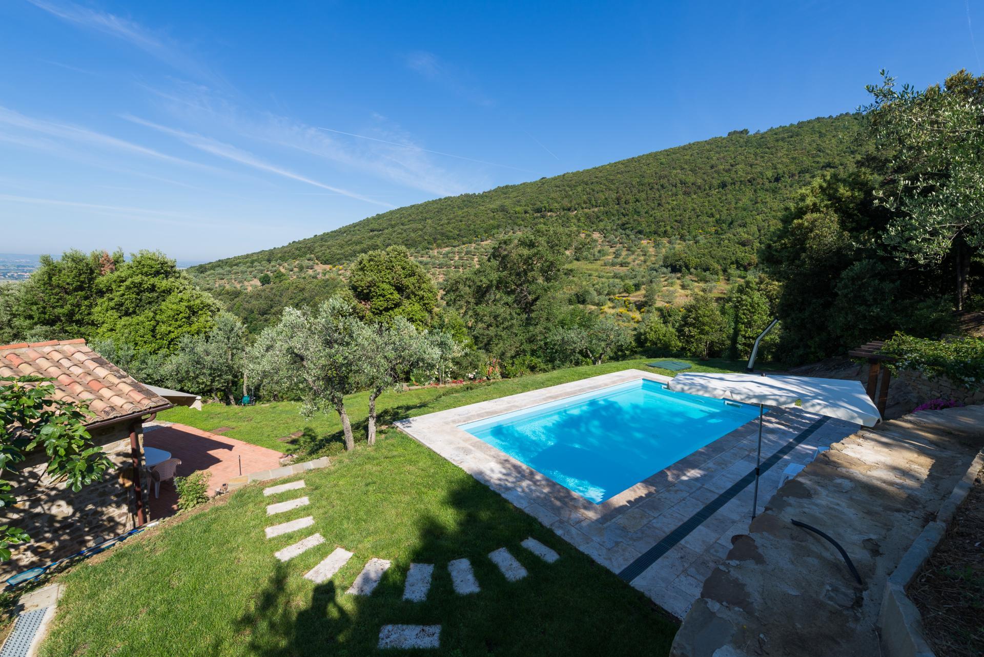 Cortona villa with pool