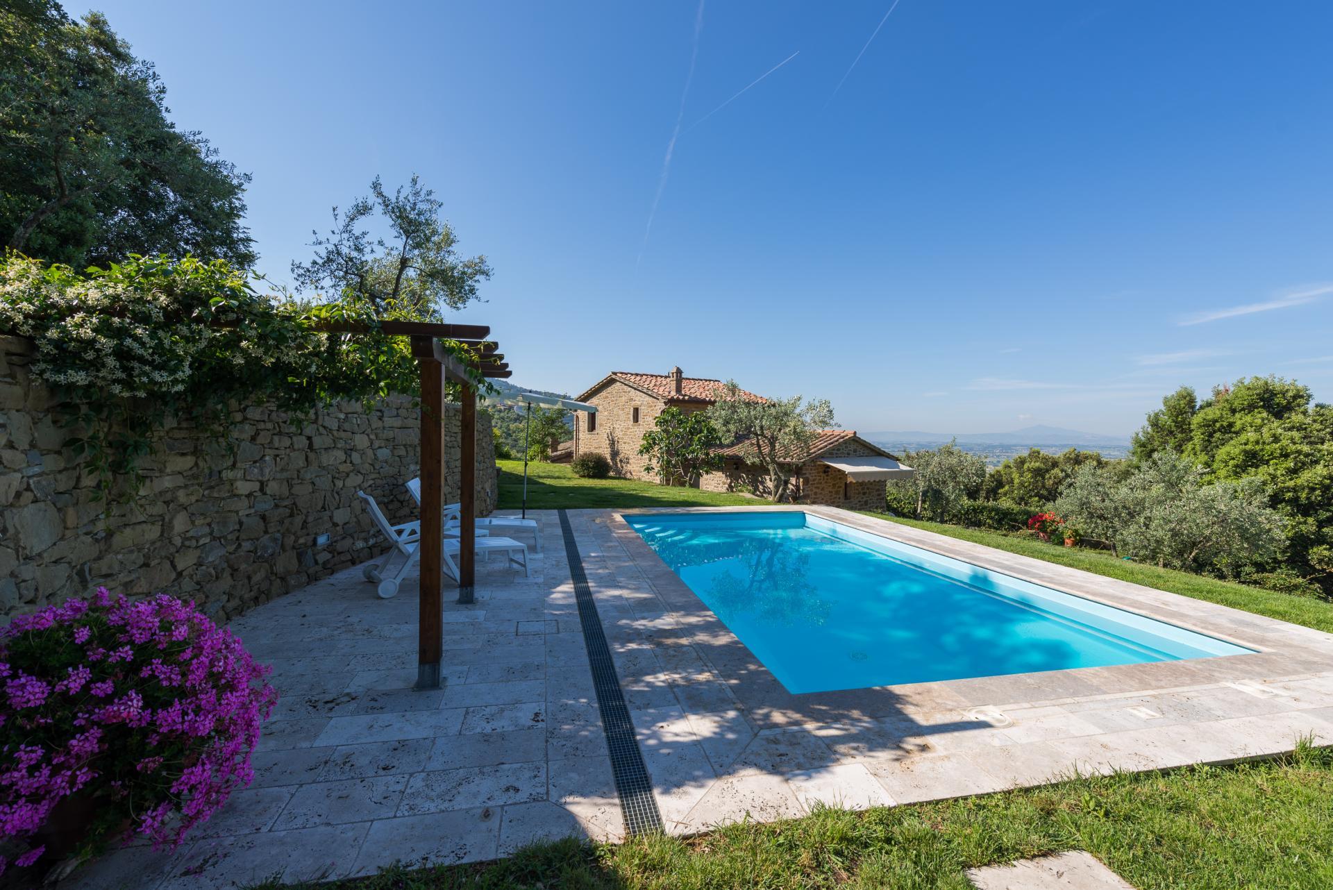 country villa for 2 near Cortona