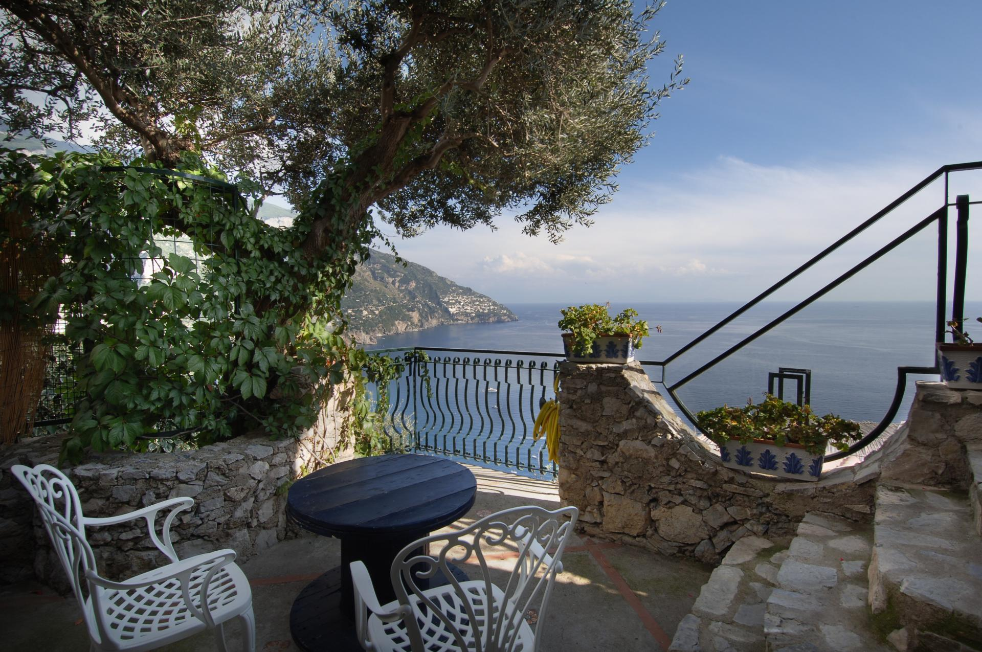 Outdoor Seating, Il Pellicano, Positano, Amalfi Coast Campania.