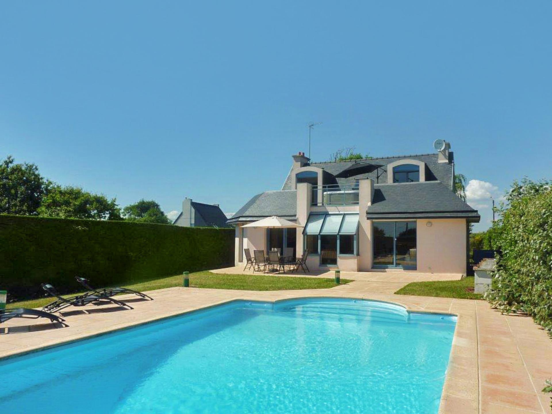Doelan-sur-Mer villa with pool and seaviews
