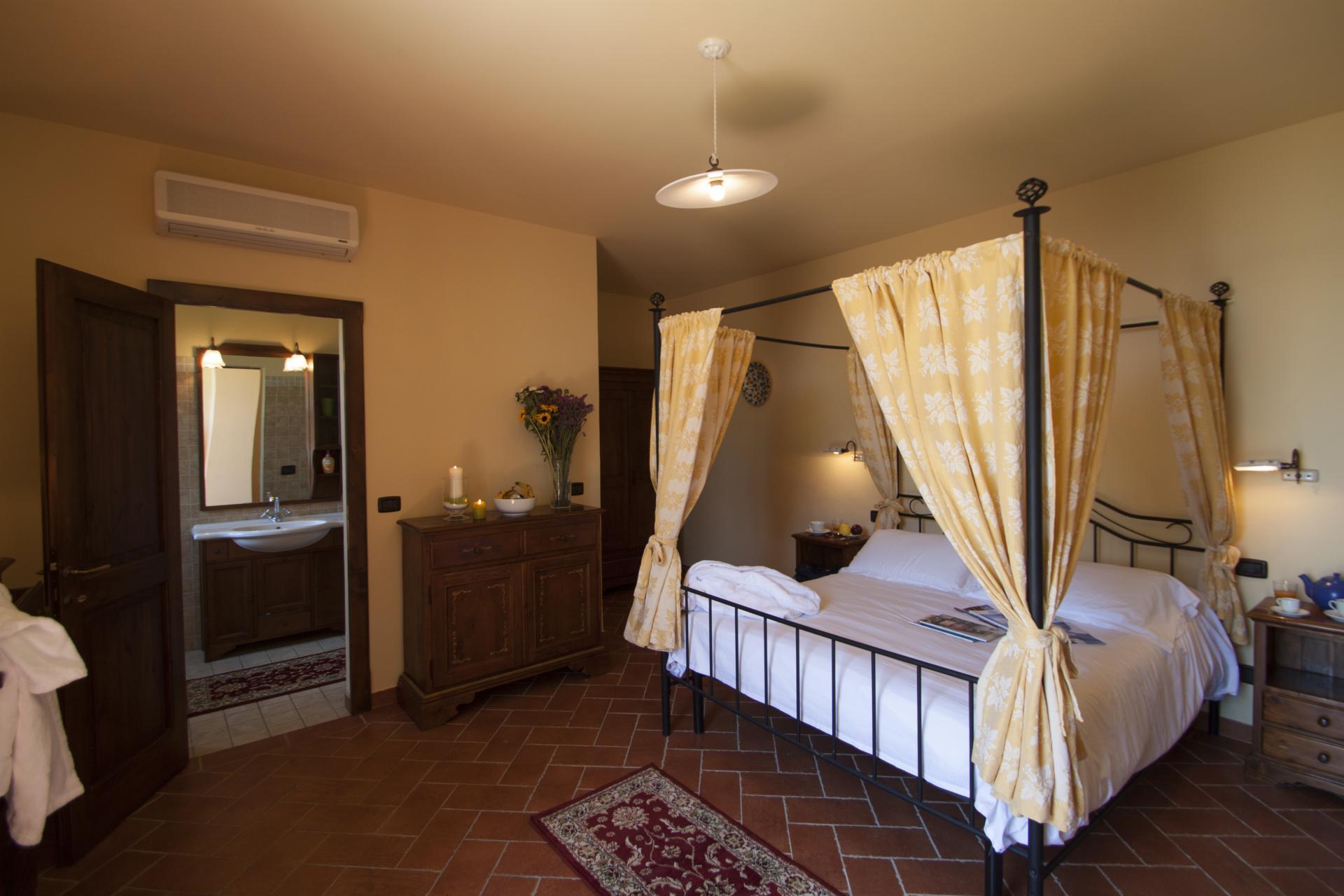 Bedroom 1, Casolare Toscano, Tuscany, La Turbie.