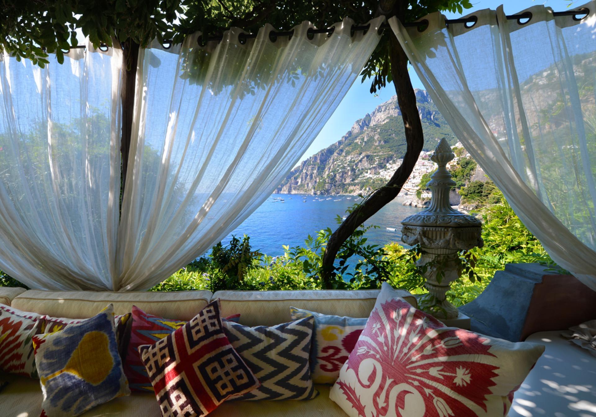 Covered Outdoor seating, La Divina, Positano, Amalfi Coast Campania.