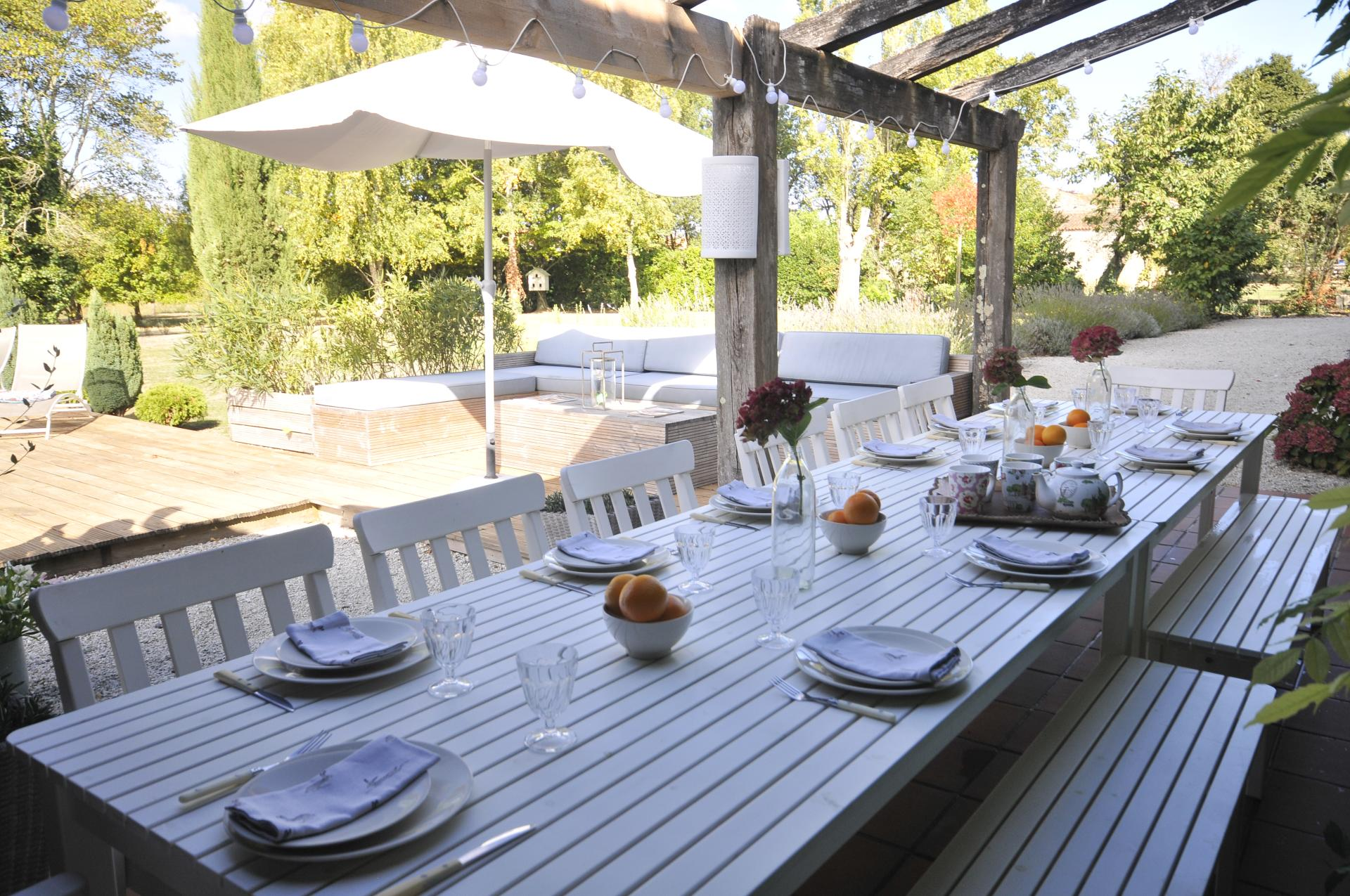 Outdoor Dining Table, Ferme Verger, Fontenay le Comte, Vendee Charente.