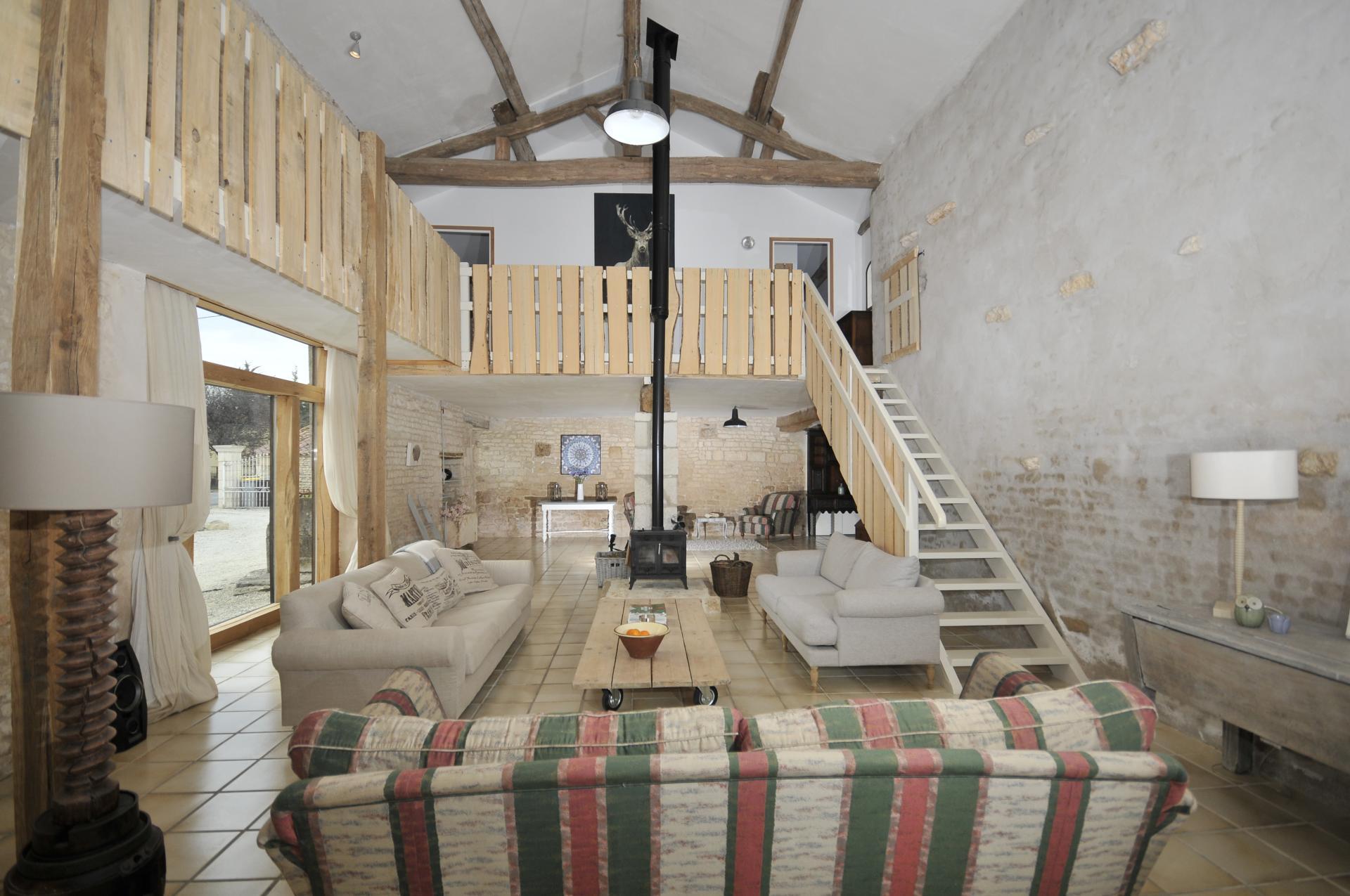 Living Room, Ferme Verger, Fontenay le Comte, Vendee Charente.