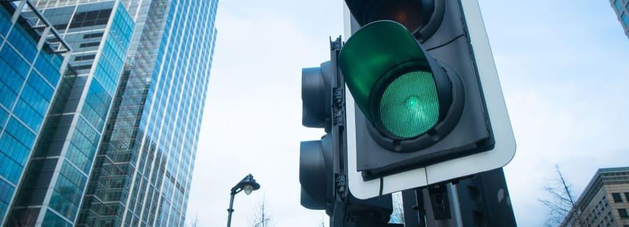 Green-stop light_76344223-1600x1600