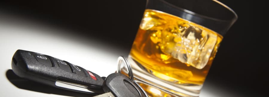 Drinking and driving_31271739-1600x1600