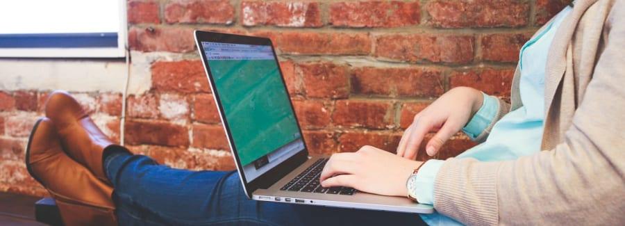 girl-on-laptop-1600x1600
