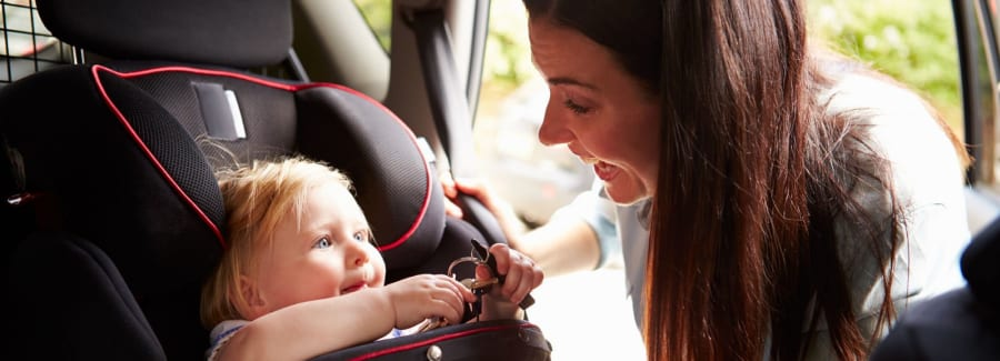 child-car-seat_74808406-1600x1600