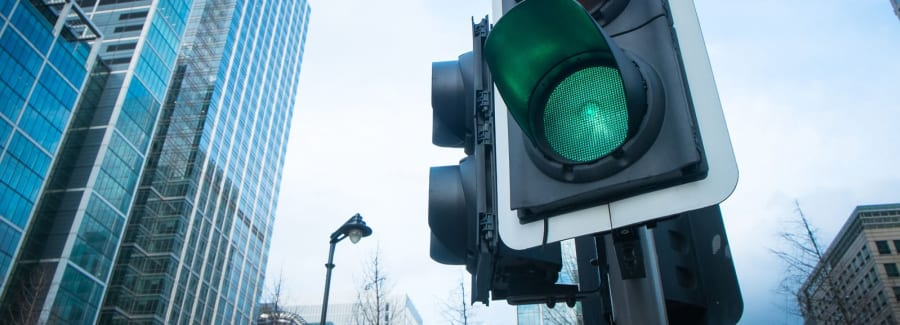 Green-stop light_76344223-1600x1600 (1)