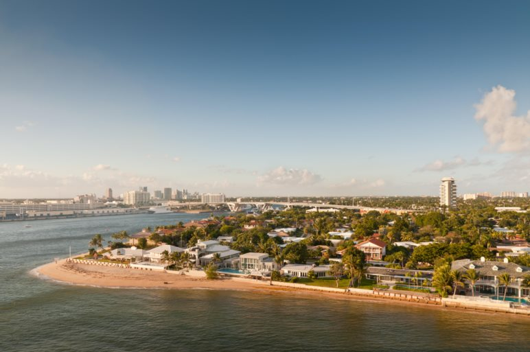 Beaches and skyline of the waterfront of Fort Lauderdale, Florida, USA