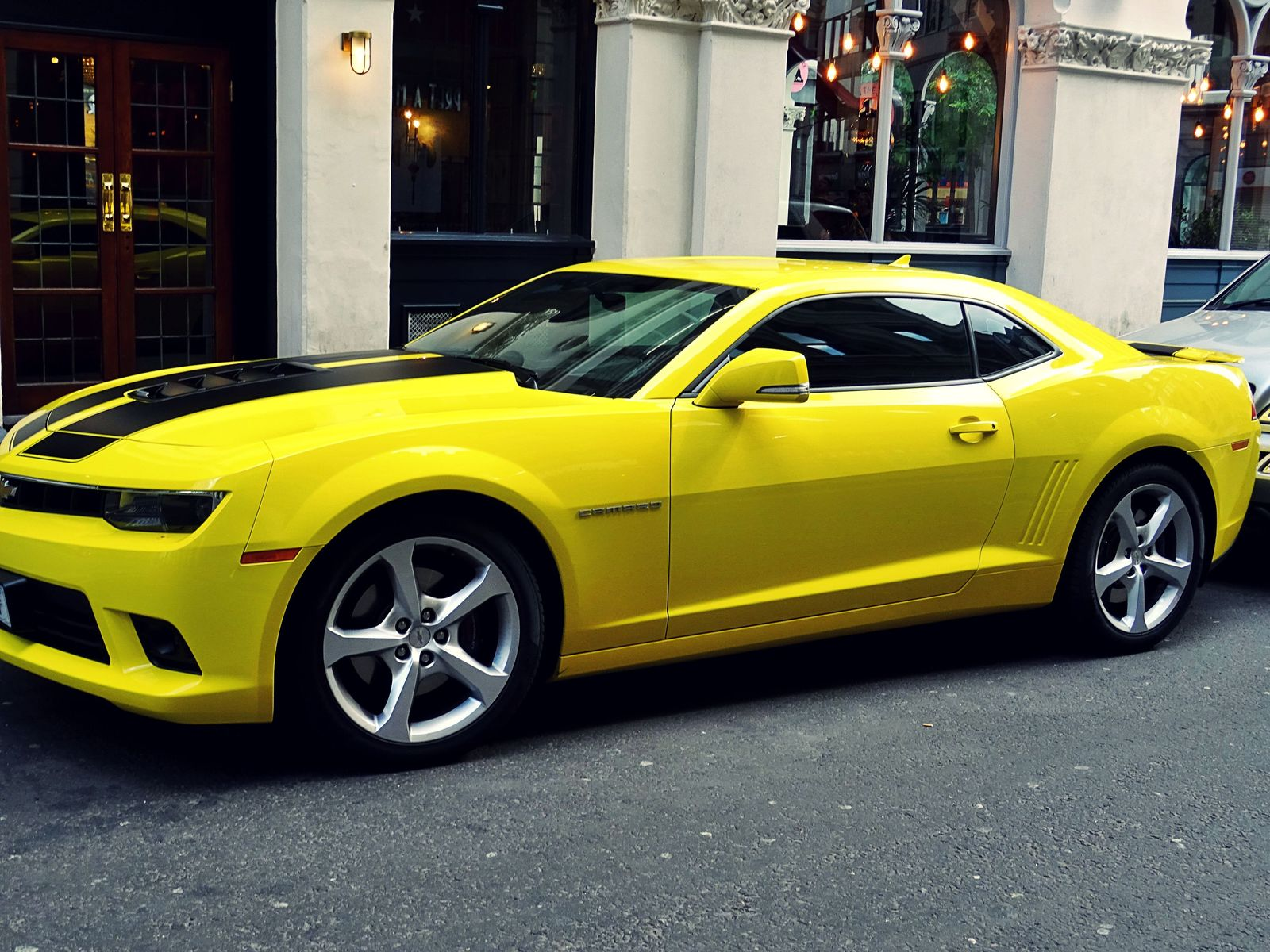 Camaro Insurance Cost >> A Guide For Chevrolet Camaro Auto Insurance Costs Updated