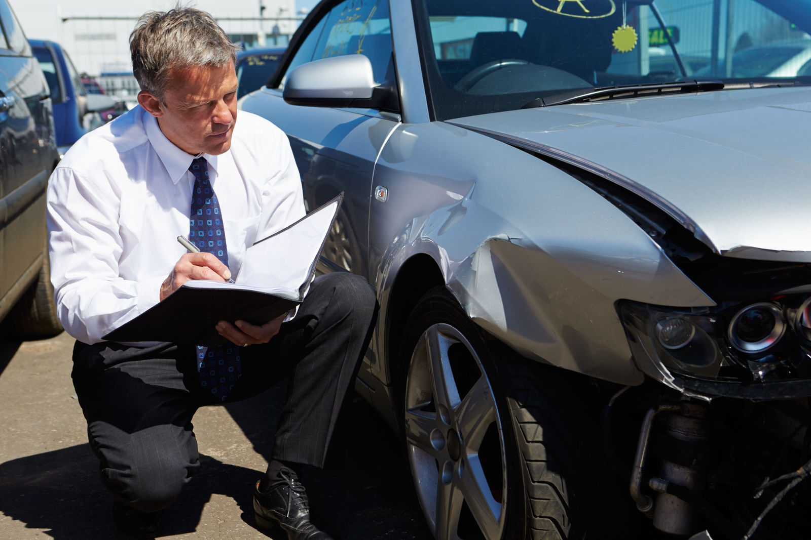 How to Buy a Salvage Car From an Insurance Company