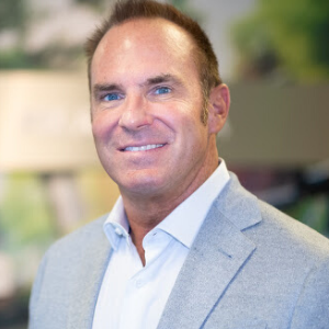 Dennis O'Mahoney is the VP of Business Development and Marketing at Fix Auto USA. Fix Auto USA is a network of over 150 auto body shops across the U.S.