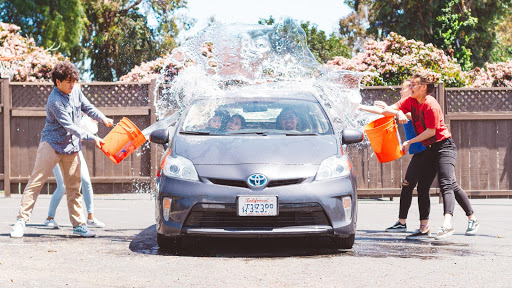 https://res.cloudinary.com/quotellc/image/upload/insurance-site-images/usinsuranceagents-live/2020/04/car-wash.jpg