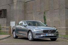 Volvo S90 SALOON 2.0 T4 Momentum Plus 4dr Geartronic