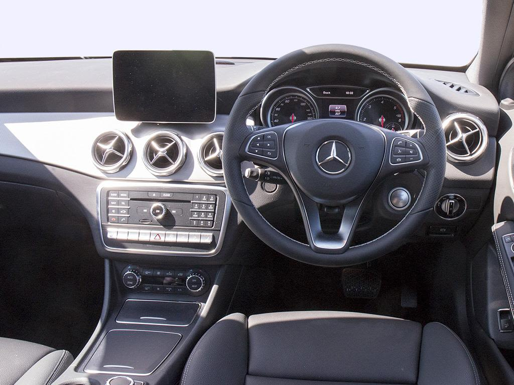 mercedes benz gla class hatchback gla 180 urban edition 5dr auto go green leasing. Black Bedroom Furniture Sets. Home Design Ideas
