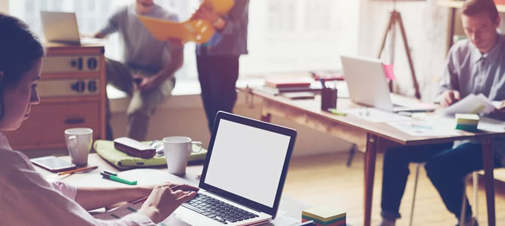 9 مزیت استفاده از فضای کار اشتراکی که باعث رشد کسب و کار شما میشود.
