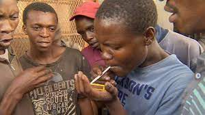Nigerian youths using drugs in the open
