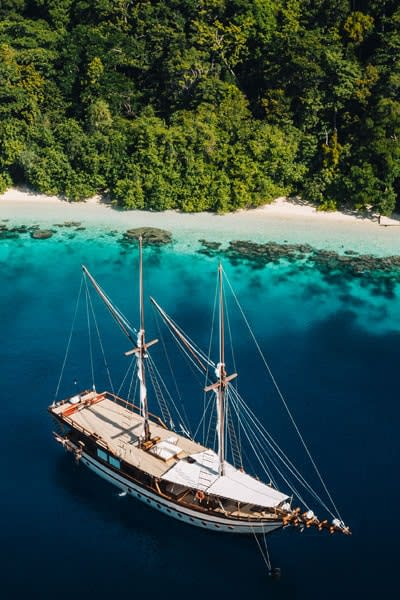 Expedition Cruise in the Indonesian Archipelago