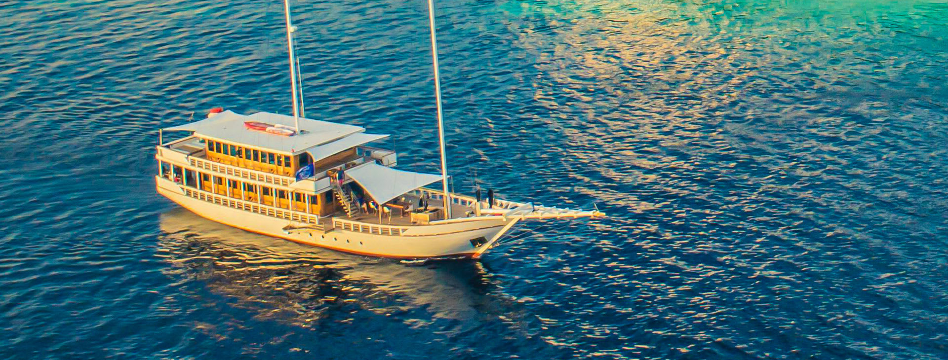 Fenides boat at sea