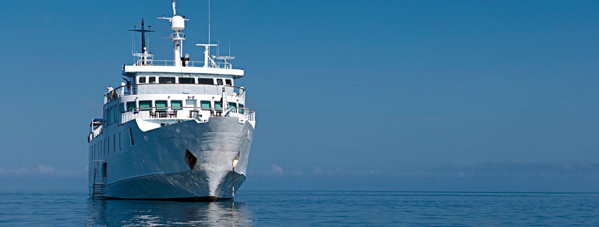 La Pinta at sea