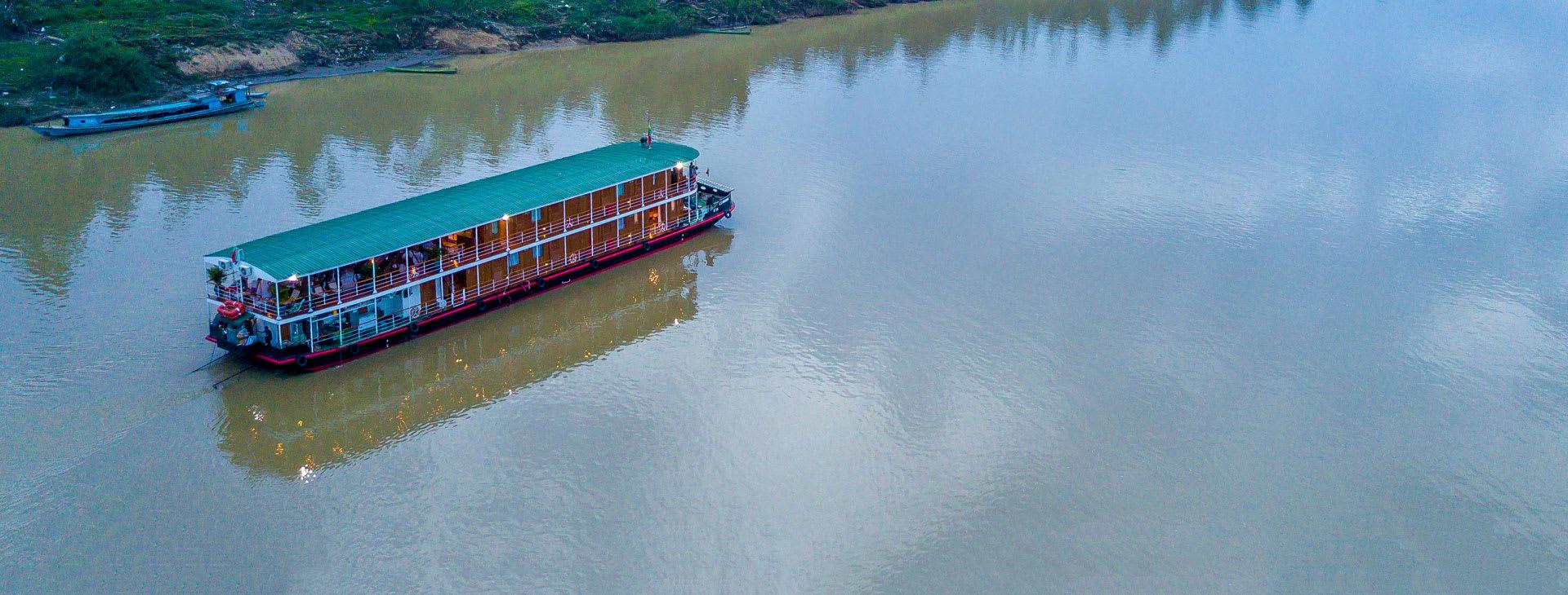 Zawgyi Pandaw on the river