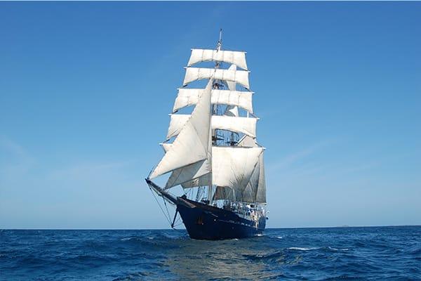 Mary Anne Galapagos Full Sail