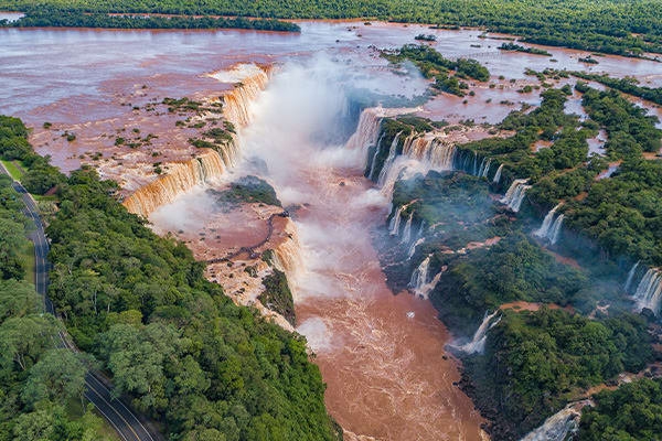Devils Throat Argentina Iguazu Falls