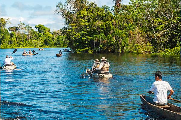 canoe excursion amazon