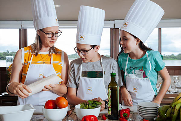 Kids in cooking class