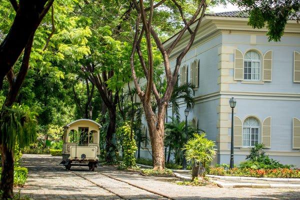 Tram City Tour Guayaquil Ecuador