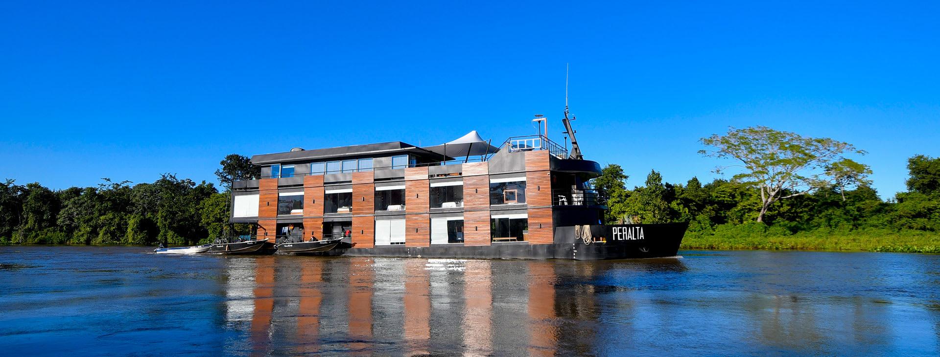 Peralta Pantanal Cruise Ship
