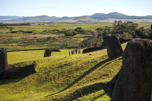 Day tour to visit the Moai