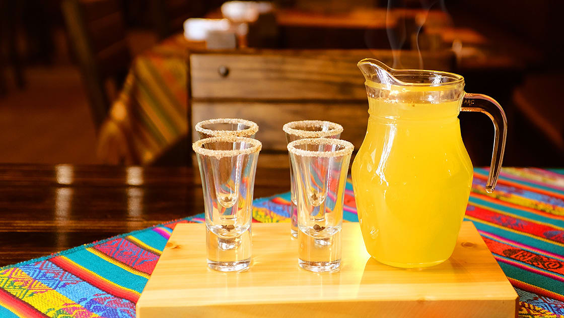 Canelazo,Is,A,Hot,Alcoholic,Beverage,That,Is,Consumed,In
