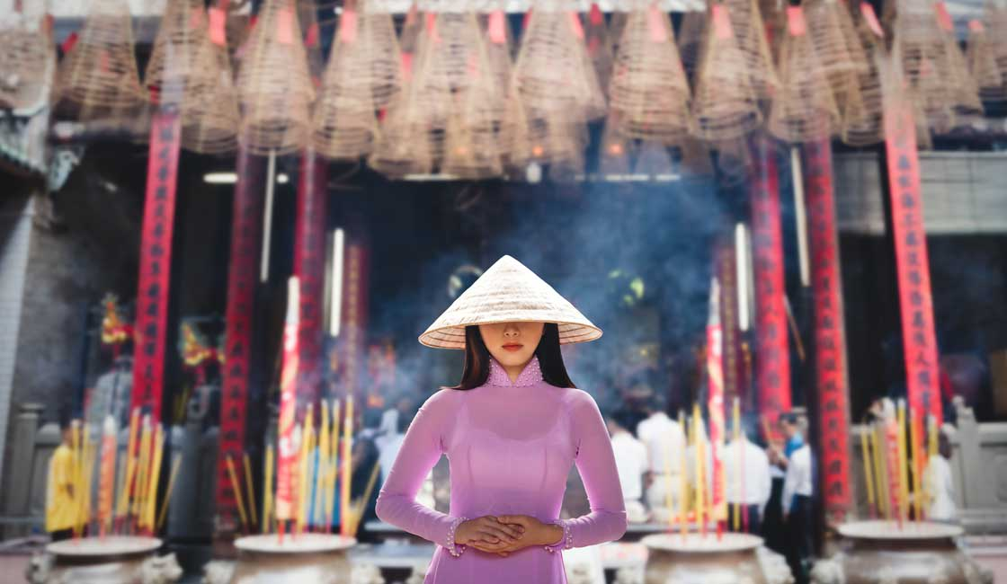 Young Vietnamese woman in the temple