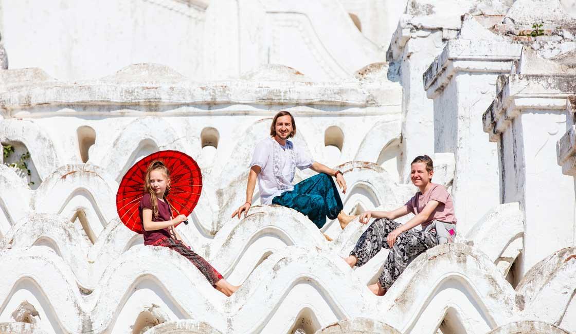 Family posing on the Hsinphyume Pagoda