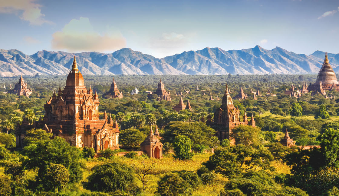Bagan plain and mountains in the background