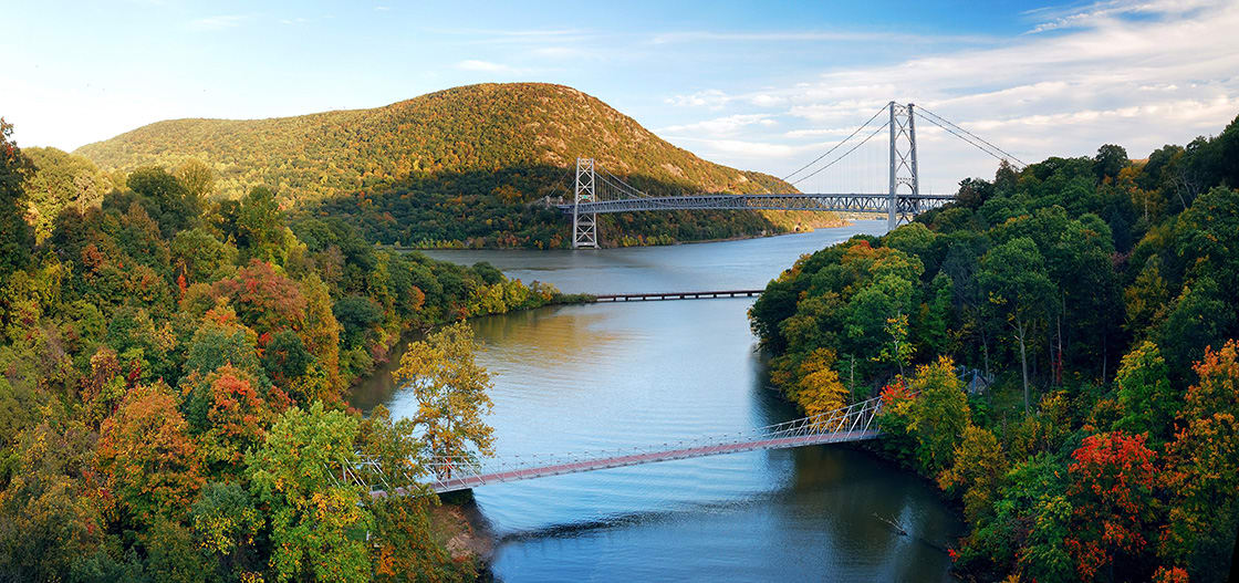 Hudson,River,Valley,Panorama,In,Autumn,With,Colorful,Mountain