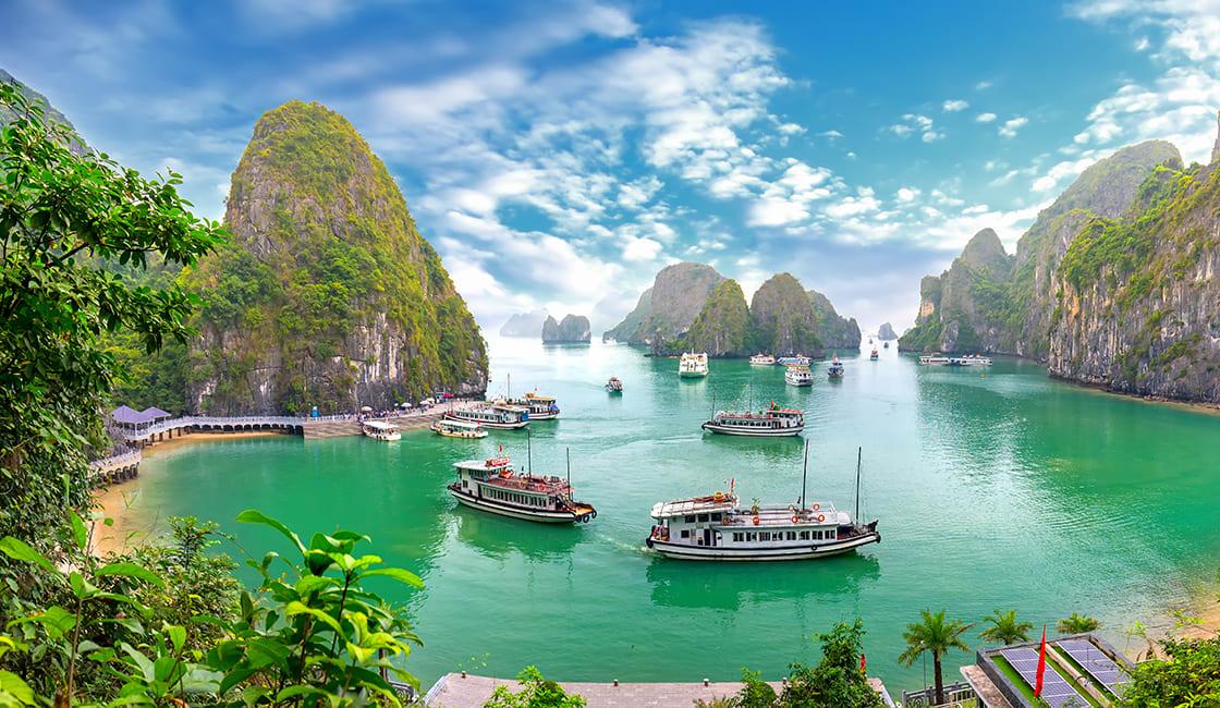 Bo Hon island north of Halong Bay