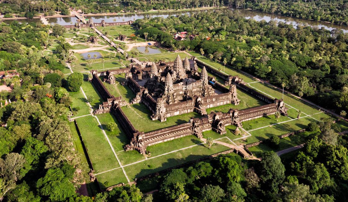 Angkor-Wat temple
