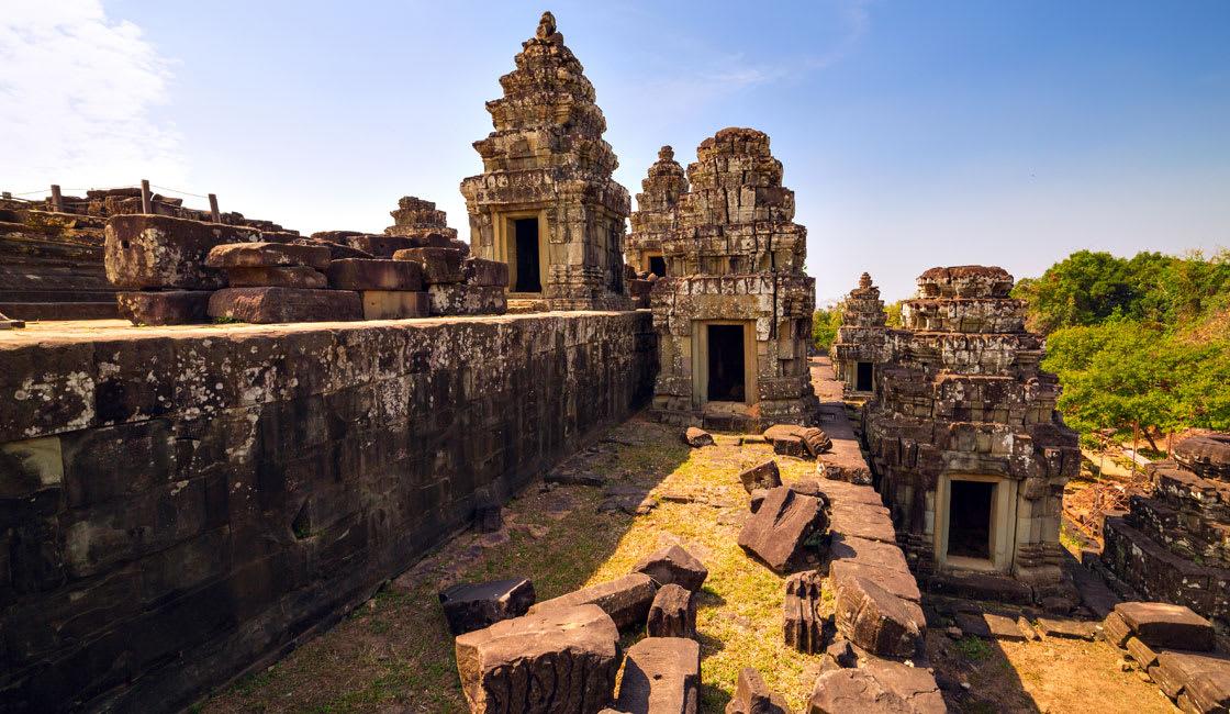 Phnom-Bakheng temple