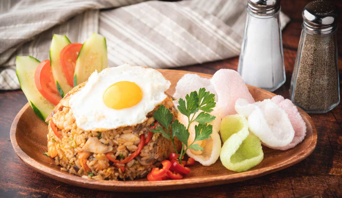Fried rice with friend egg on top