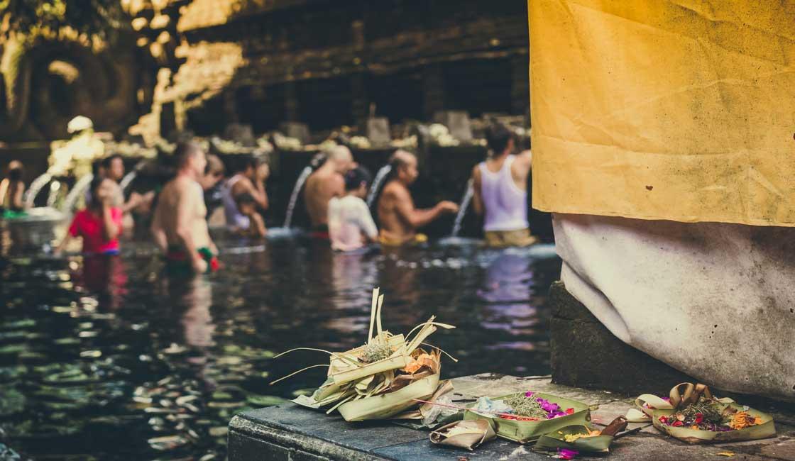 People during the washing ritual