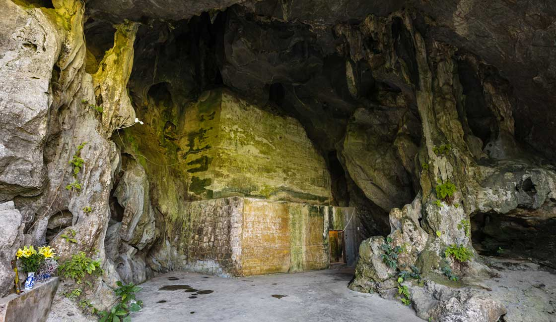 Walls inside the cave