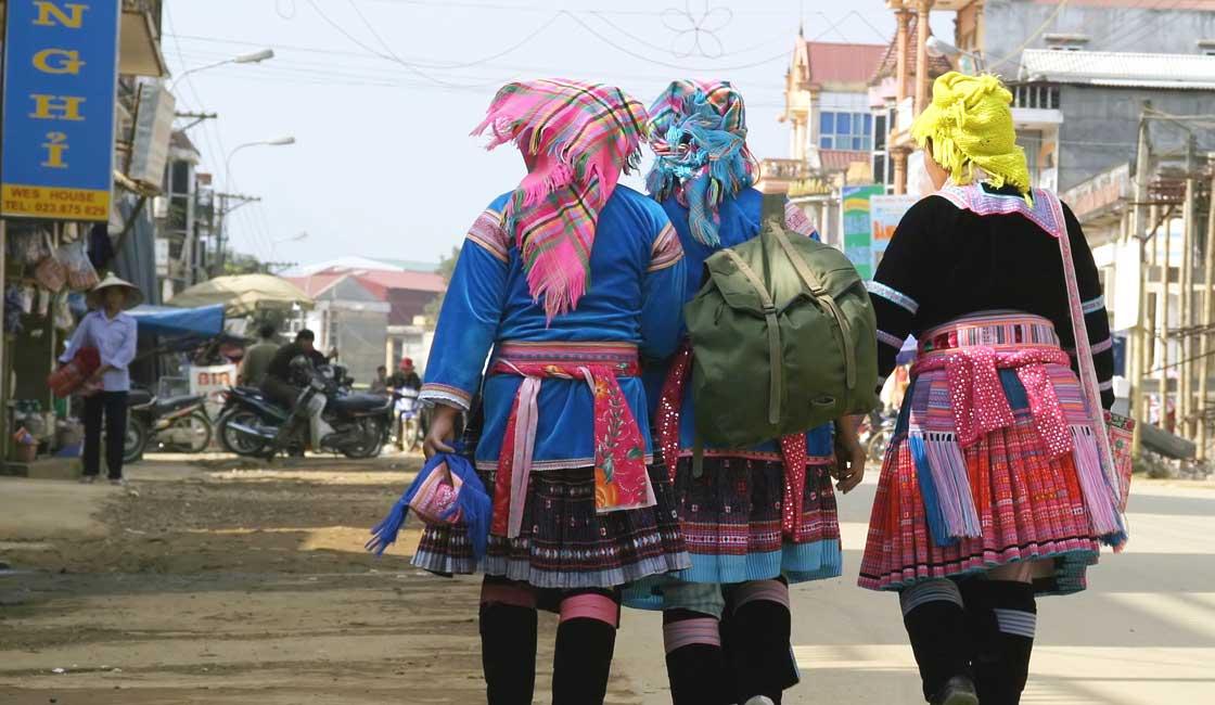Schoolgirls in ethnic clothes
