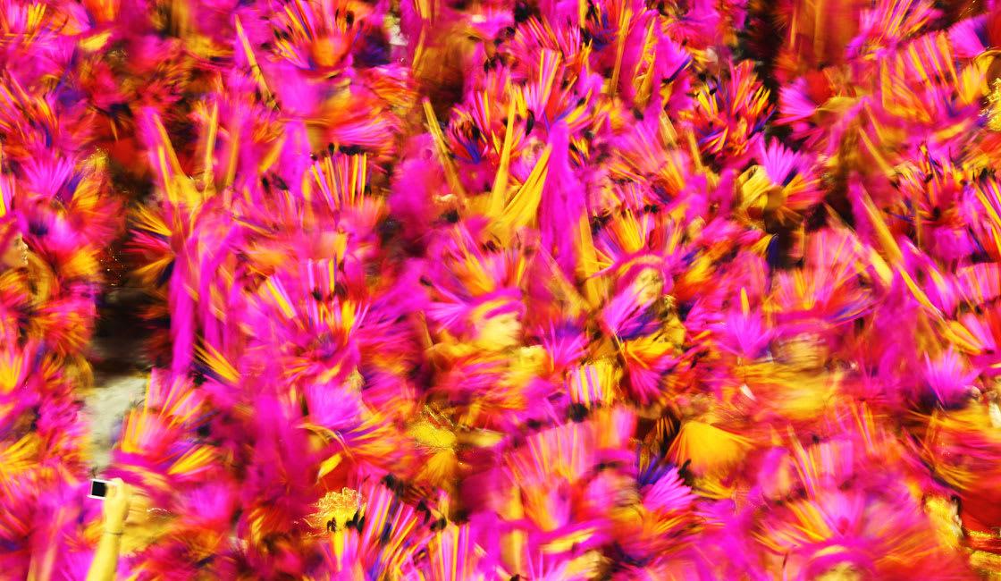 Crowd dancing samba motion blurr