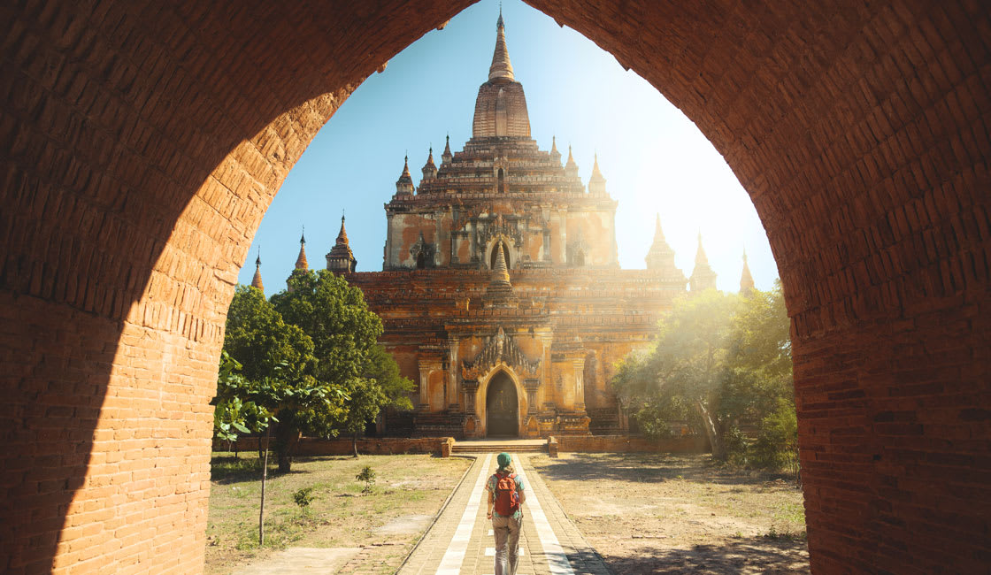 Bagan entrance to the temple